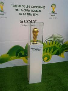 WM Trophäe ist bereits in Brasilien
