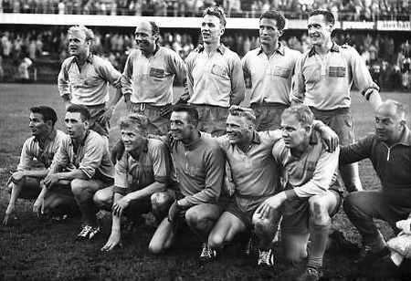 Teamfoto des Gastgebers Schweden bei der Fussball WM 1958