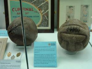 2 verschiedene Bälle wurden im WM Finale 1930 zwischen Argentinen und Uruguay verwendet
