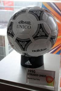 Spielball Fussball Weltmeisterschaft 1990