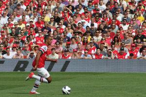 Englands Teamspieler Walcott verpasst dank eines Kreuzbandrisses die WM 2014