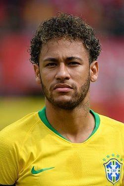 Neymar mit Brasilien als WM 2022 Favorit